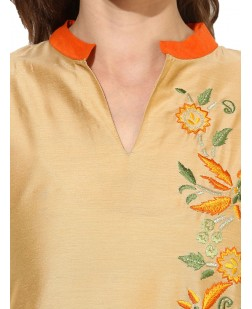Women Gold-Toned Embroidered Straight Kurta